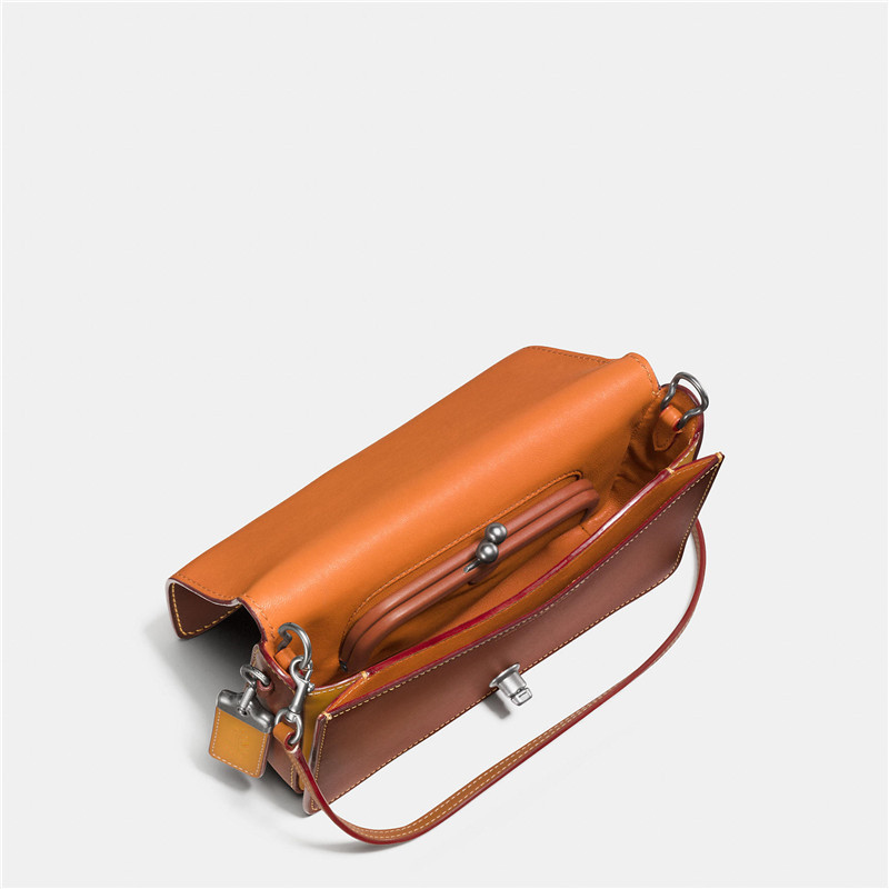 Guangzhou custom chrome tanned style women bags