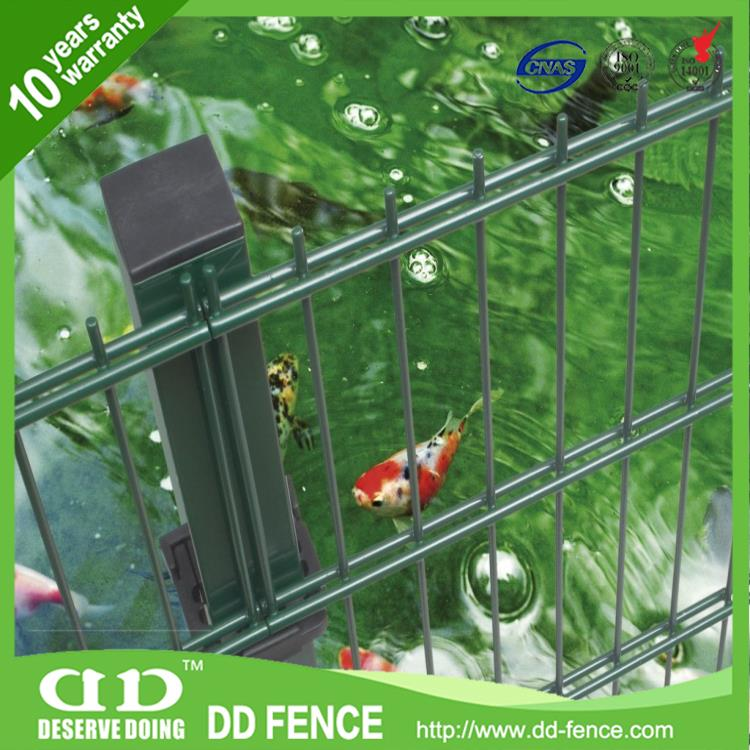 Plastic Q195 pvc coated Double welded iron wire mesh fence