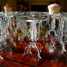 China Supplier Plexiglass Wedding Clear Acrylic Cupcake Display Stand