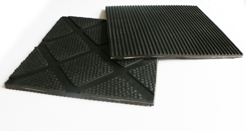 Excellent Material Custom Rubber Product Diamond With Hammer Top Cow Mat
