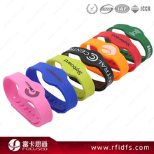 HF waterproof silicone RFID wristband for water park