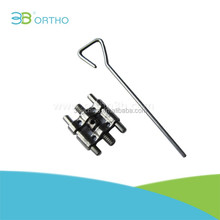 Orthodontic dental expansion screw