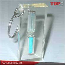 Manufacturer Clear Acrylic Resin Hourglass Embedment Keychain, Acrylic Resin Keychain with Personalized Logo for Promotion Gifts