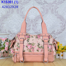 Angelkiss bag nice pink handbag with printed flower /lether hangbag with zipper in front view