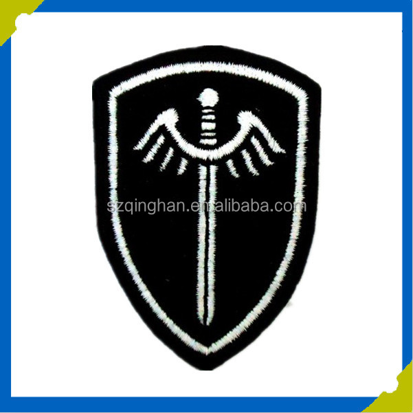 manufacturer white letter with black customized quality embroidery patch for bag