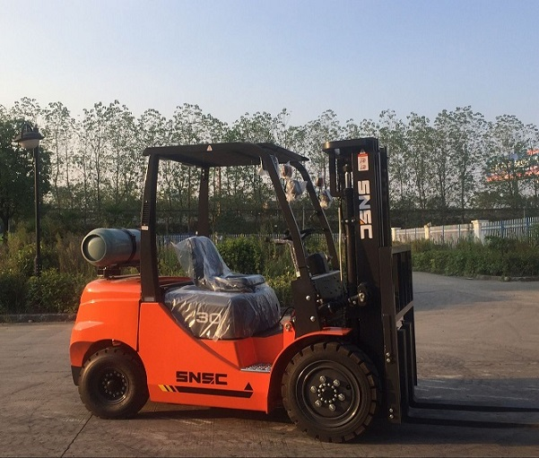 China new LPG fork lifter 3t /FL30 forklift with nissan engine