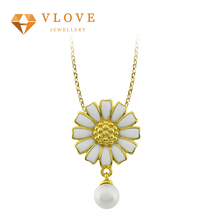 High quality cheap custom handmade fashion gold latest long chain pearl daisy necklaces fashion accessories for whole sale
