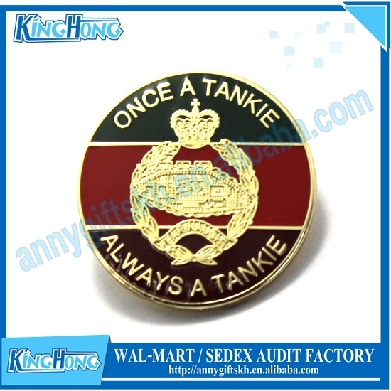 Customized enamel military tankie design memorial Insignia