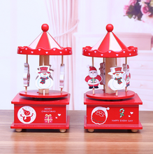 new wholesale delicate handmade creative promotional European style red Santa Claus wooden music box decoration for Christmas pr