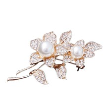 Good quality mordern design unique alloy crystal flower bee shape costume brooch