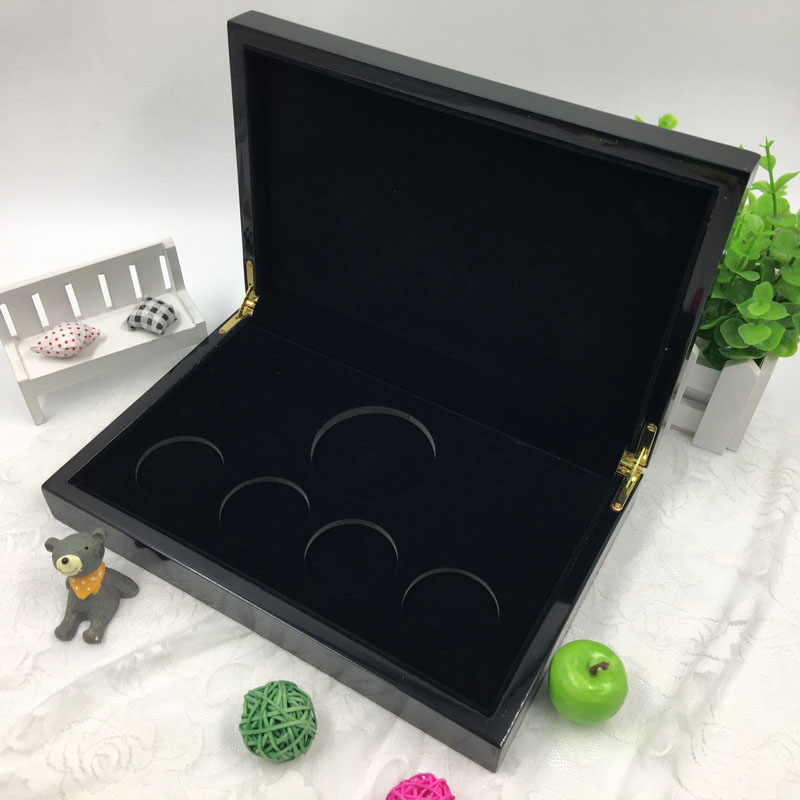 Black Piano Finishing Coin Display Case