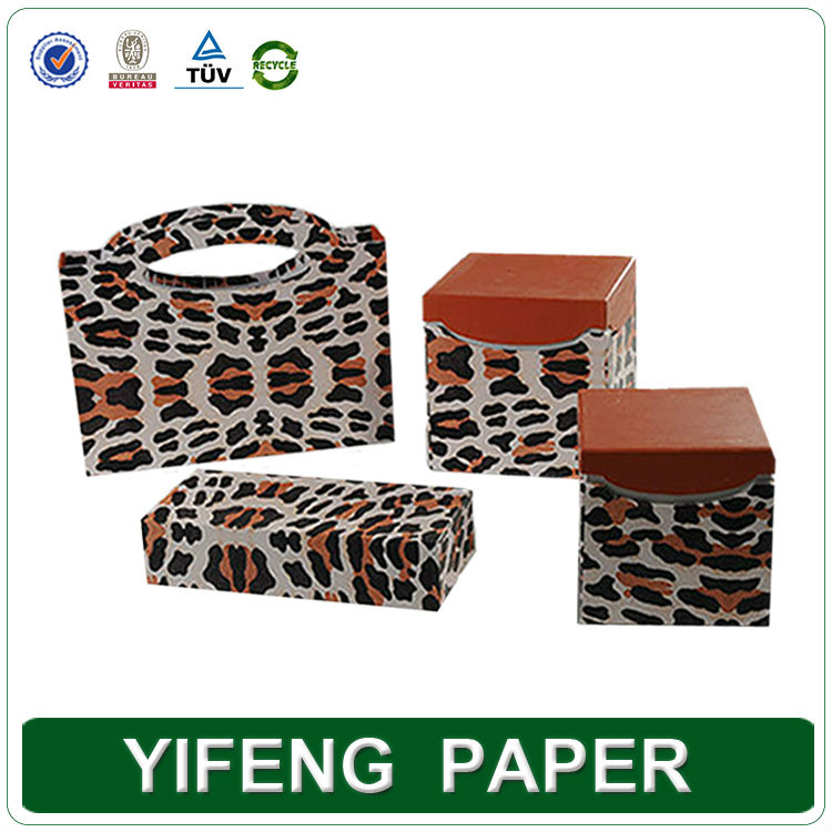 Hot sale classic fashion gift leopard print window jewelry box with paper packaging