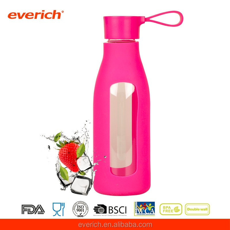 Custom unbreakable borosilicate glass water bottle with silicone sleeve
