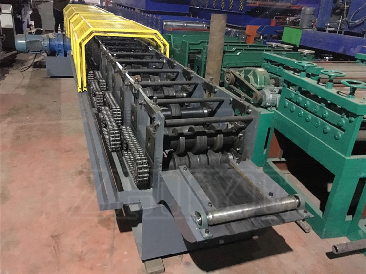 Supermarket &Warehouse Shelves Rack Pillar Beam Upright Roll Forming Machine