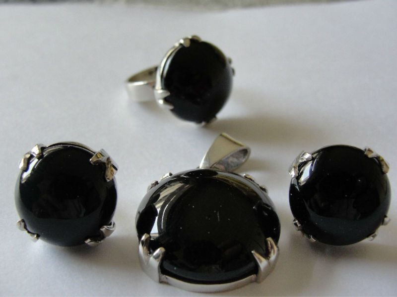 Black Agate with Silver Jewellery