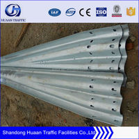 Safety Barrier Guard Rail/Square Pipe Railing/Highway Dividers