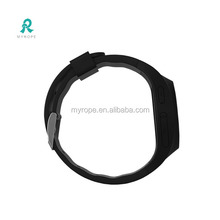 2016 new global hot selling gps watch phone /Real-time gps bracelet personal mini phone tracker R11