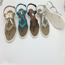 China Cheap Flat Shoes Design Kito Beautiful Sex Nede Women Sandals King