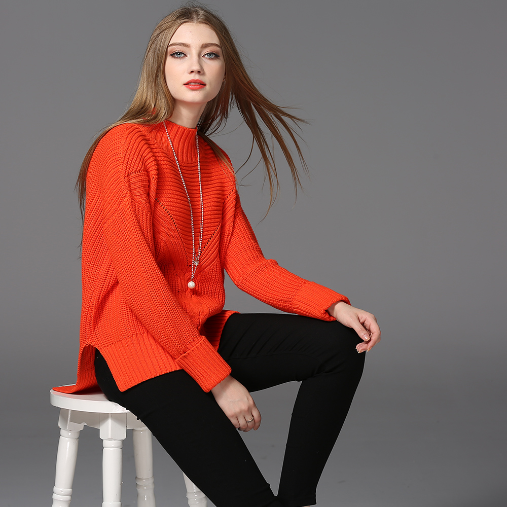 Women 's round neck long Loose solid color cotton sweater