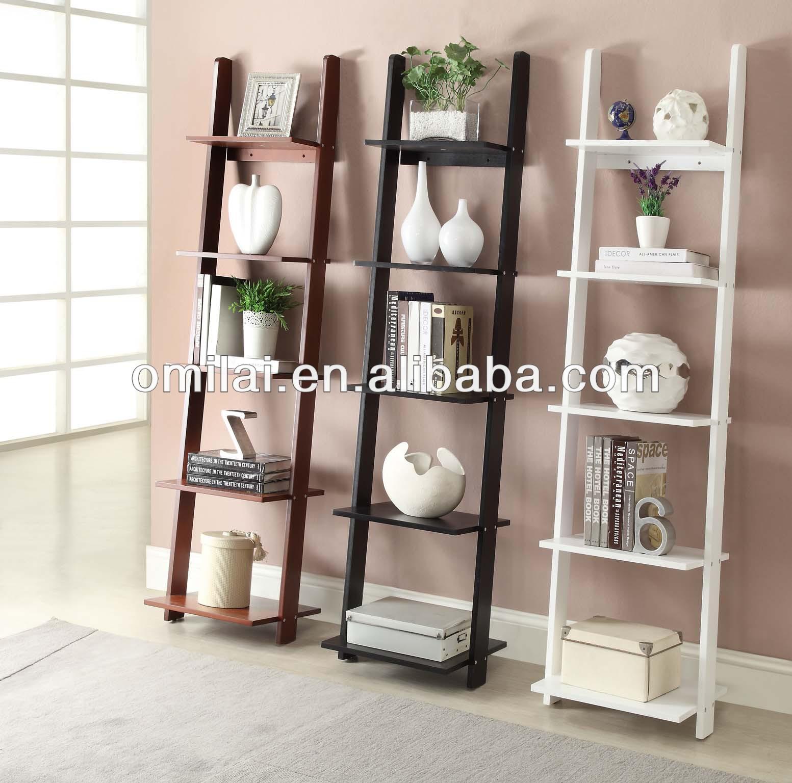 Estanter a de pared decorativos escalera en sala de estar for Estanteria de bano leroy merlin