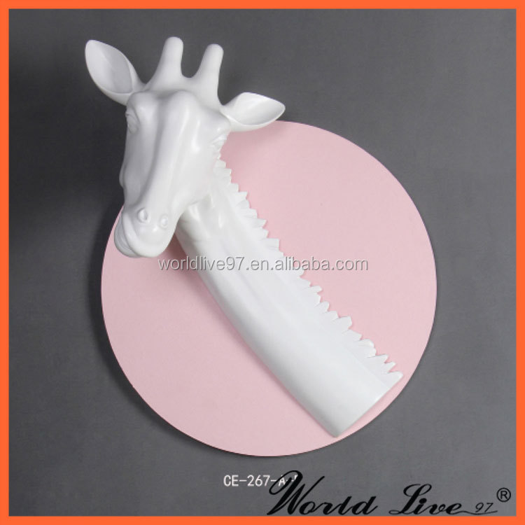 CE-267-A Resin Modern Giraffe Craft/ Art and Craft for Waste Materials Gifts