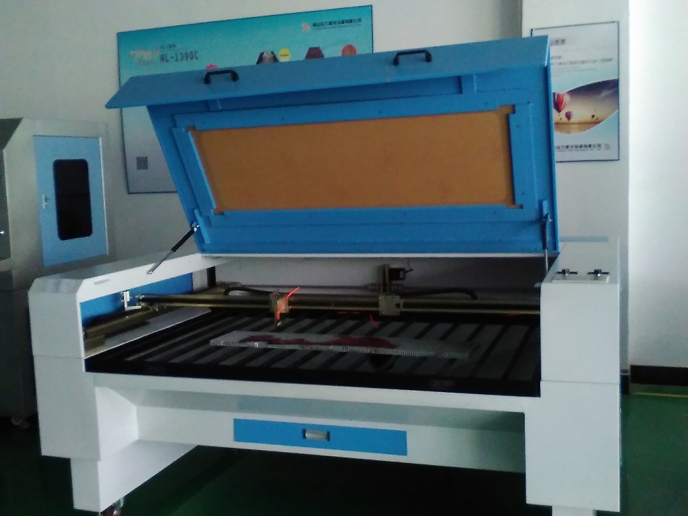 Laser printing on glass engraver machine