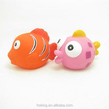 Squirt rubber baby bath toy fish