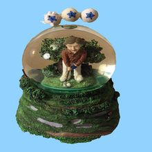 Musical Water Globe Golfer New In Box Plays You Are My Sunshine