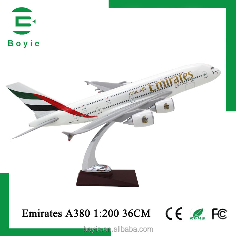 high replicas 36CM 380 Emirates Scale 1/200 Diecast custom 380 plastic model aircraft for birthday Gifts