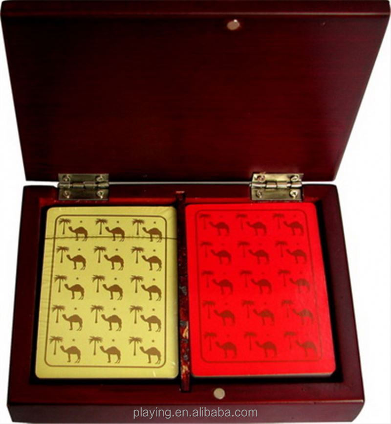 New hotsale different types playing cards packed with wooden box