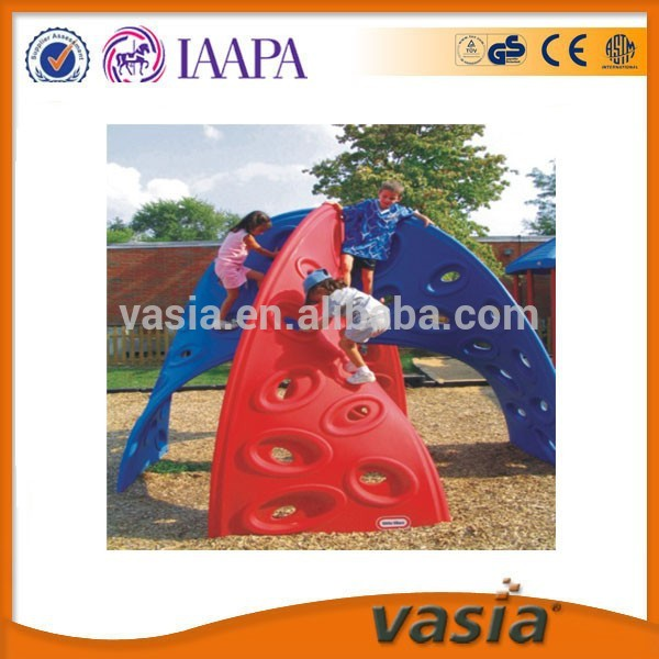 Plastic Material Child Age Garden Rock Climbing Wall