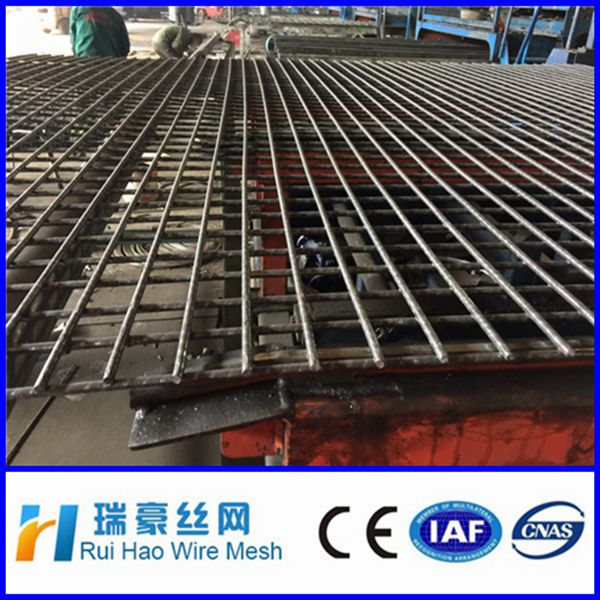 Factory price 4x4 welded wire mesh fencing