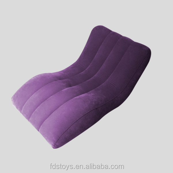 Plastic inflatable flocking bed