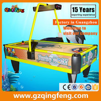 Qingfeng sports ground equipment kids and adults coin operated air hockey table