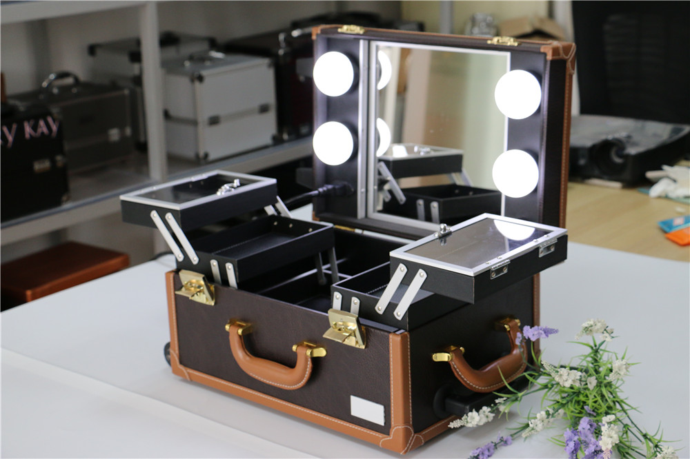 ... Makeup Station With Lights: IST01P 5