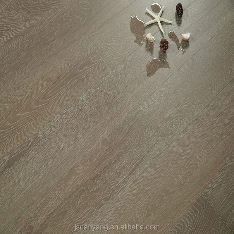 Factory UV lacquered waterproof Russia <strong>oak</strong> engineered hardwood flooring