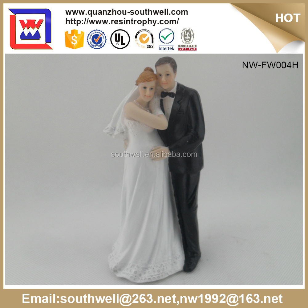 Polyresin Wholesale For Home Decoration Full Of Love Couple Figurine