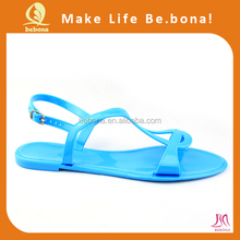 2017 stylish wholesale comfortable women's pvc jelly sandals shoe