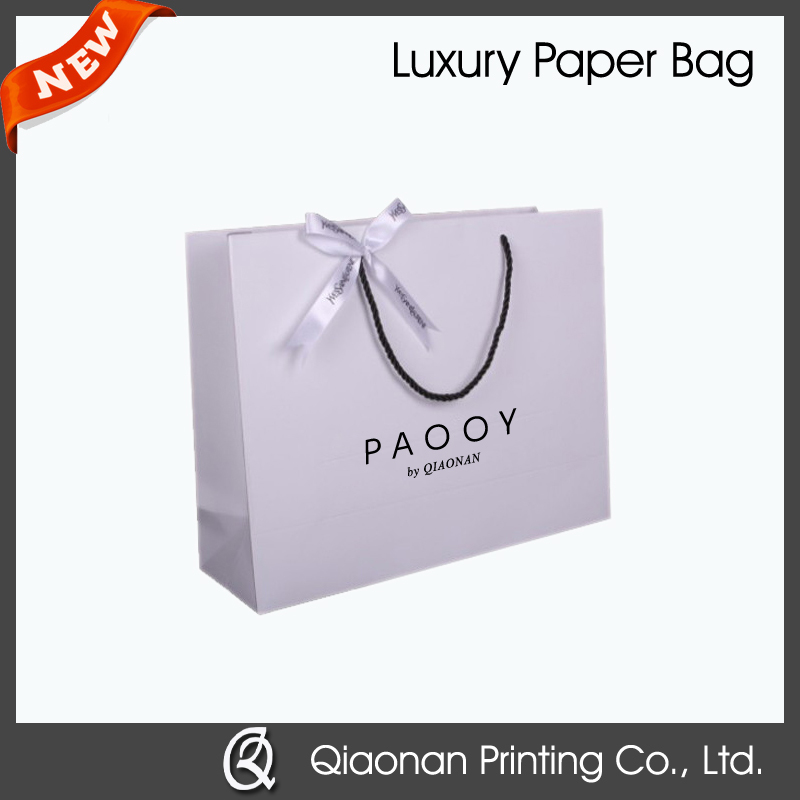 Luxury Paper Gift Carrier Bags with Rope Handles in Large / Medium / Small Size