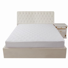 Quilted fitted sheet hypoallergenic mattress protector waterproof