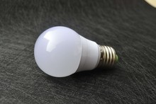 High Quality , CE, RoHS Approved Die-casting aluminium Thermal Plastic B55AP 5W 638LM LED Bulb