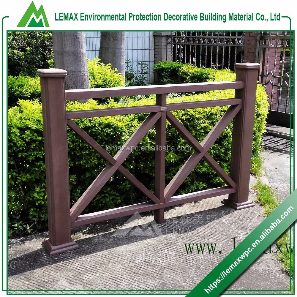 China alibaba good quality updated cheapest wood fence door