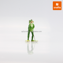 Lovely mini sporting frog resin golf statue