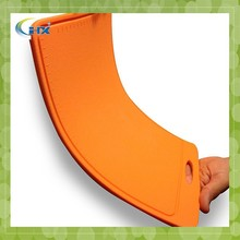 Nonslip Durable antibacterial hdpe cutting board with scale