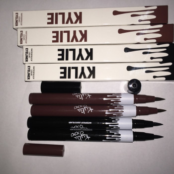 KYLIE JENNER KARDASHIAN BLACK WATERPROOF LIQUID EYELINER NEW IN BOX Makeup