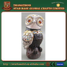 Hot selling funny wholesale table decor resin youngs figurines for export