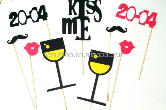 Simple Kiss Me cheering props wedding party decoration