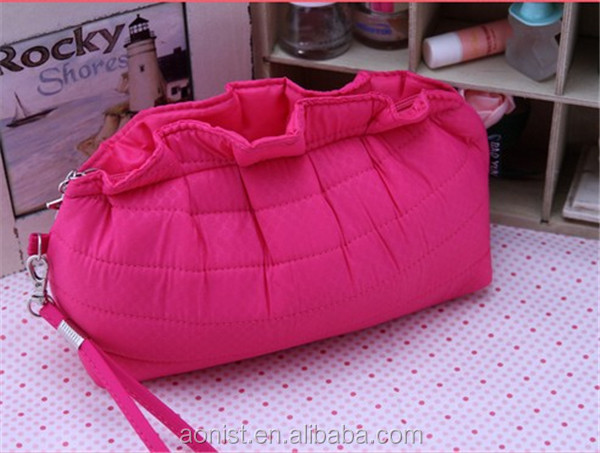 Hot sale professional modern ladies cosmetic bags