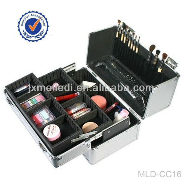 2012 Hot Selling New Desigh Silver Aluminum Expandable Cosmetic Makeup Cases With Aluminium frame MLD-CC241