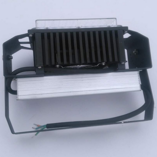competitive price high quality 5 years warranty 120 watt led flood light from China maket